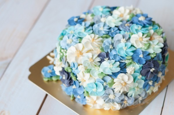 15+ Cake Decorating Ideas & Essential Supplies To Start Decorating