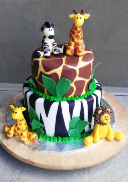 The Cake Market  This Is A Cute Jungle Themed Cake My Daughter
