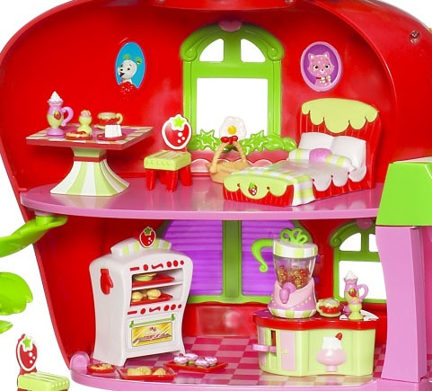 Strawberry Shortcake Loves Baking For Her Friends In The Berry