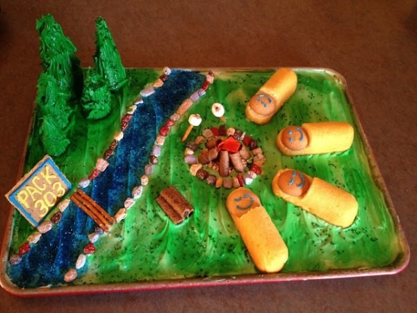11 Impressive Cub Scout Cakes For Blue And Gold That Look Amazing