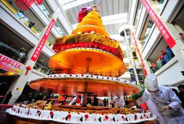 Tallest Cake  China Sets World Record (photos)