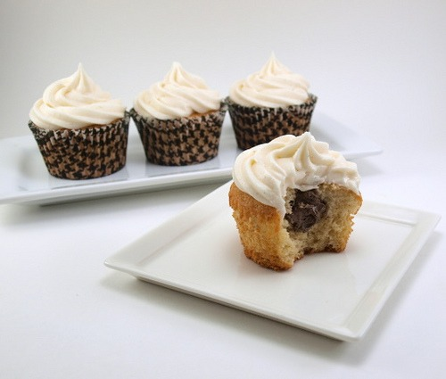 Chocolate Cream Filled Vanilla Bean Cupcakes With Vanilla Bean