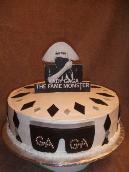 Lady Gaga Eats Cake!