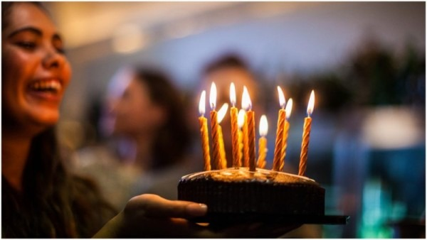 Finding The Origin Of The Birthday Cake With Candles (and Song