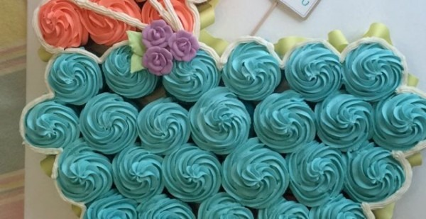 12+ Baby Carriage Cupcakes