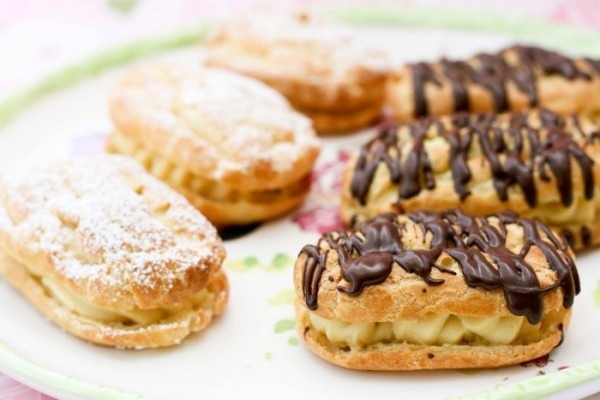 Chocolate Eclair Dessert Puff Pastry   Healthy Food Galerry