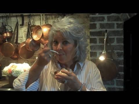 Paula Deen Cooks Peach Cobbler