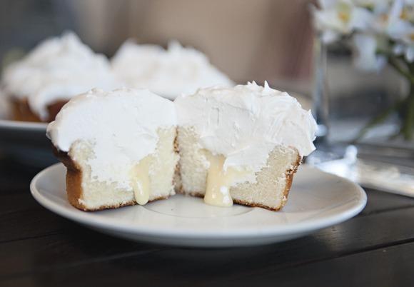 Sweet Vanilla Cupcakes With Lemon Filling & Meringue Frosting