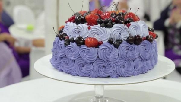 Hd00 06wedding Cake Closeup  Purple Tone  Beautiful Cake With