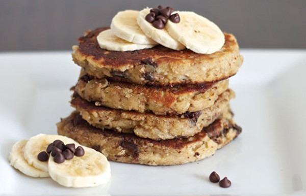 Chocolate Chip Banana Protein Pancake! – Samantha Isaacson