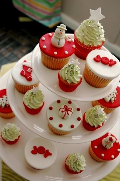 10 Christmas Cupcakes And Cakes Cake & Cookies Photo