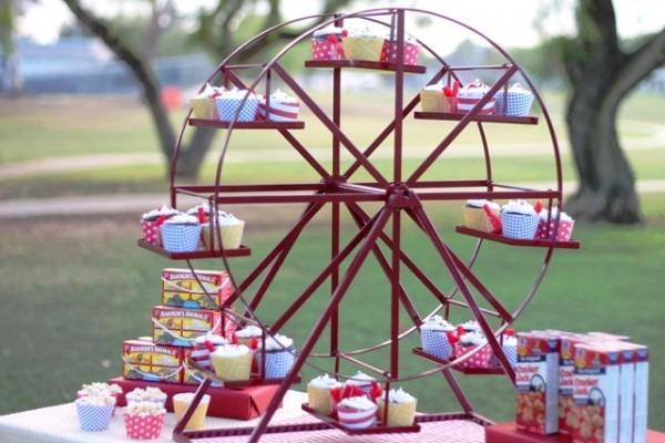 Revolving Ferris Wheel Cupcake Stand