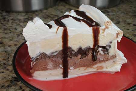 6 Heb Ice Cream Cakes Photo