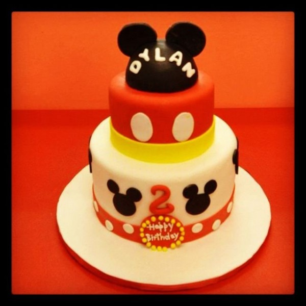 Mickey Mouse Fondant Cake!!