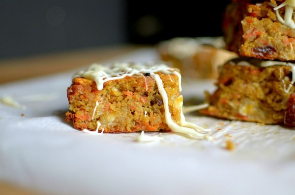 Flourless Carrot Cake {paleo + Vegan Option}