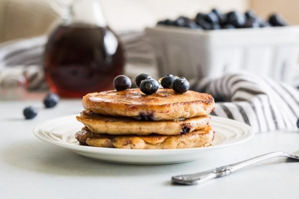 Fluffy Paleo Blueberry Pancakes