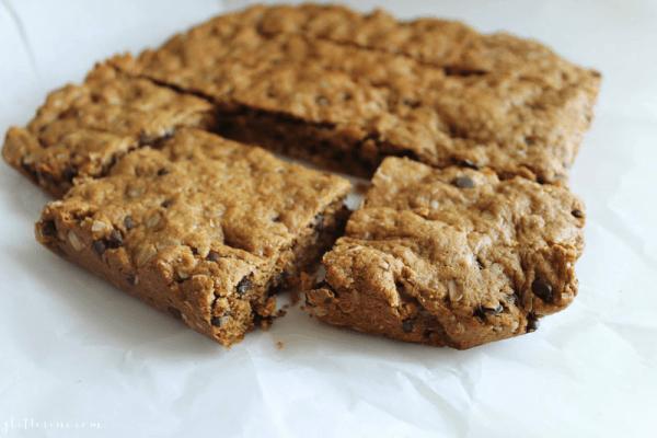 Healthy Oatmeal Peanut Butter Snack Bars {recipe}