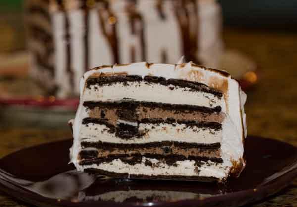 Heb Ice Cream Cake