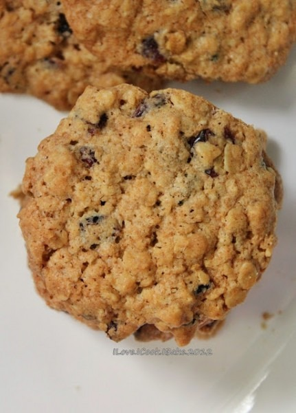 I Love  I Cook  I Bake   Oatmeal & Dried Cranberries Chewy Cookies