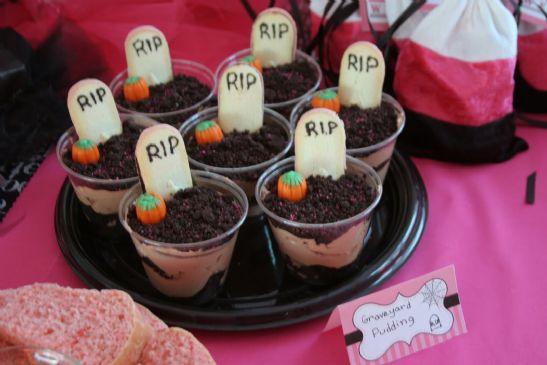 Individual Graveyard Dirt Cakes Recipe