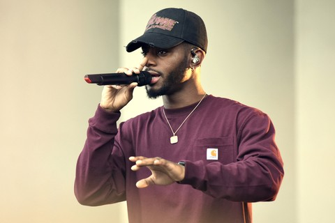 Bryson Tiller Showcases His Flow On New Track  Cake