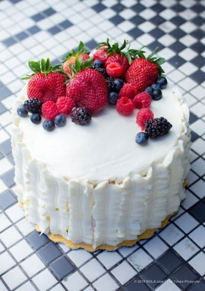 How To Make Whole Food's Berry Chantilly Cake At Home