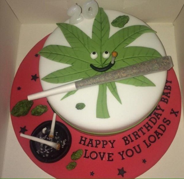 Undertheinfluence™ On Twitter   Now That's A Birthday Cake! Stoner