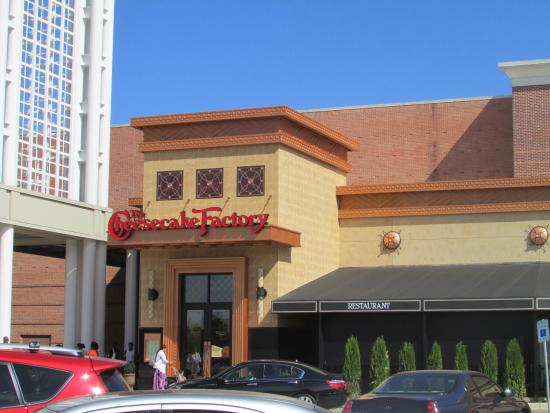 Front Of Cheesecake Factory
