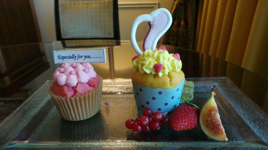Cup Cakes From The Hotel