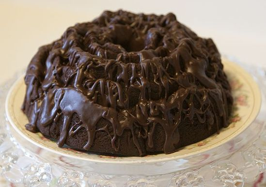 Devil's Food Pound Cake W Chocolate Glaze