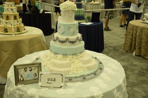 Oklahoma State Sugar Art Show And Grand National Wedding Cake