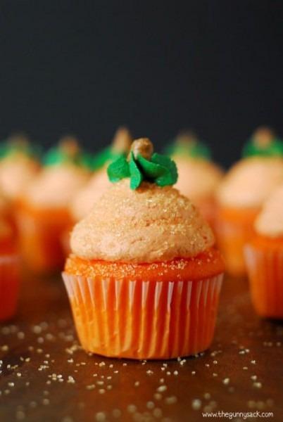 20 + Must Make Fall Cupcakes