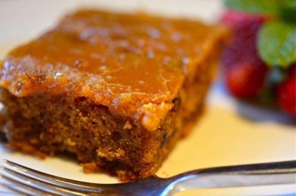 Pioneer Woman Prune Spice Cake Â« Putney Farm